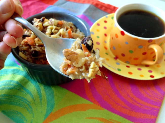 https://sarasfavoritethings.wordpress.com / Carrot Cake Oatmeal
