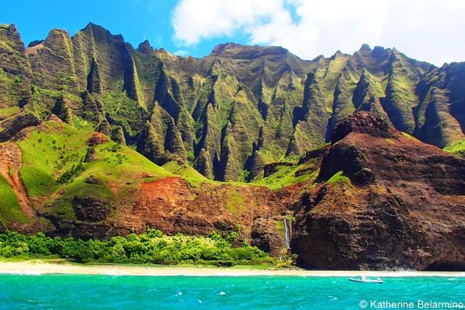 Na Pali Coast, Kauai / www.sarasfavoritethings.com